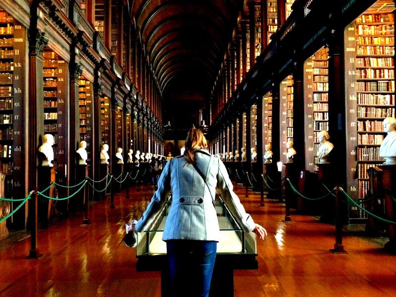 The Long Hall, el pasillo principal de la biblioteca del Trinity College
