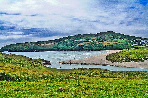 El bello paraje de Barleycove, en el condado de Cork. El coche es perfecto para llegar a lugares como este.