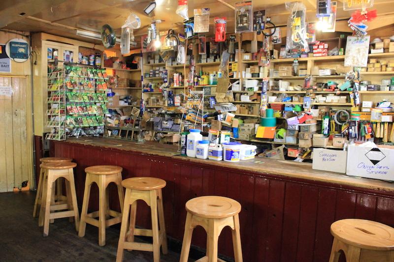 Ferretería y Pub Foxy John's