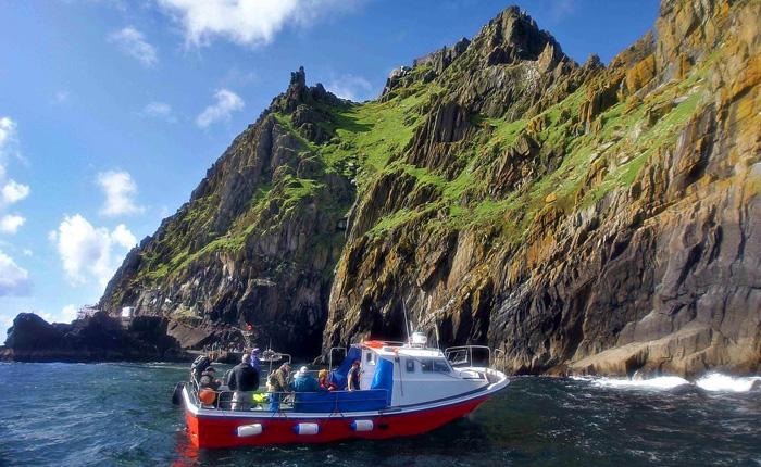 Barco para llegar a las Islas Skellig