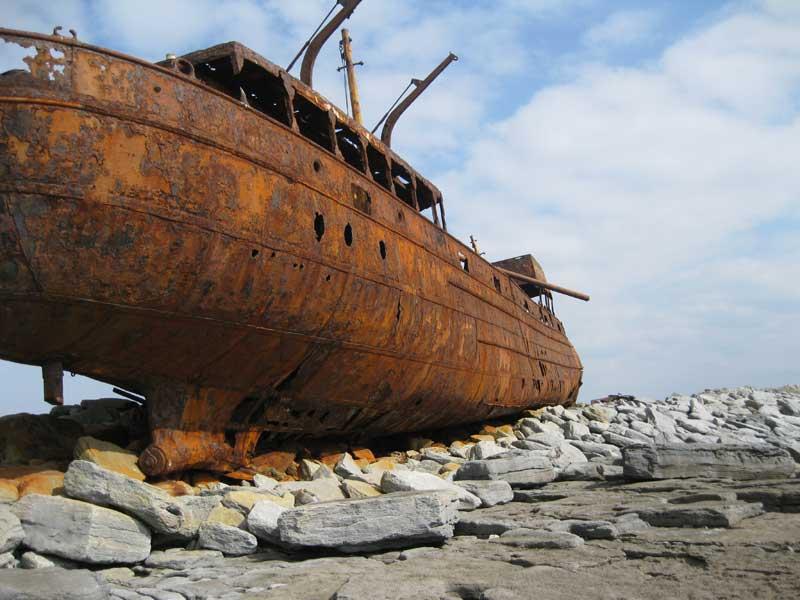 Restos de un naufragio en Inis Oirr