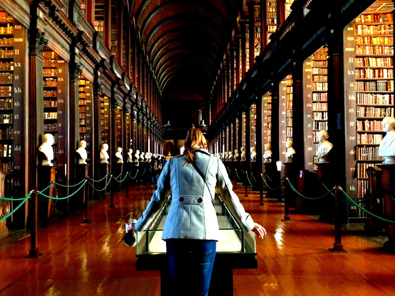 The Long Hall, el pasillo principal de la biblioteca del Trinity College