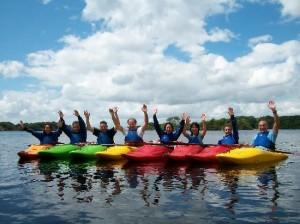 Hacer Kayak por los lagos de Killarney es una actividad muy practicada