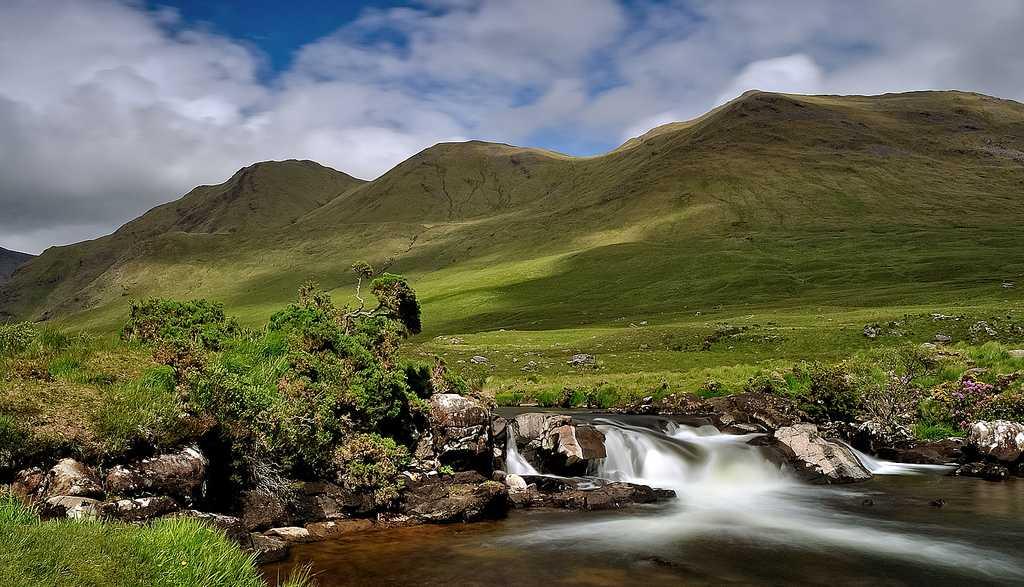 Vista idílica del Parque Nacional de Connemara. Foto de Kamil PL.