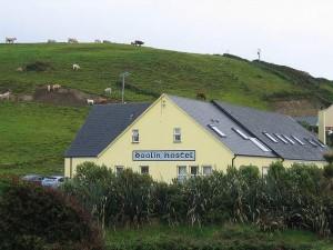 Albergue irlandés (Hostel) en la campiña verde de la isla. Foto de dornfeld,