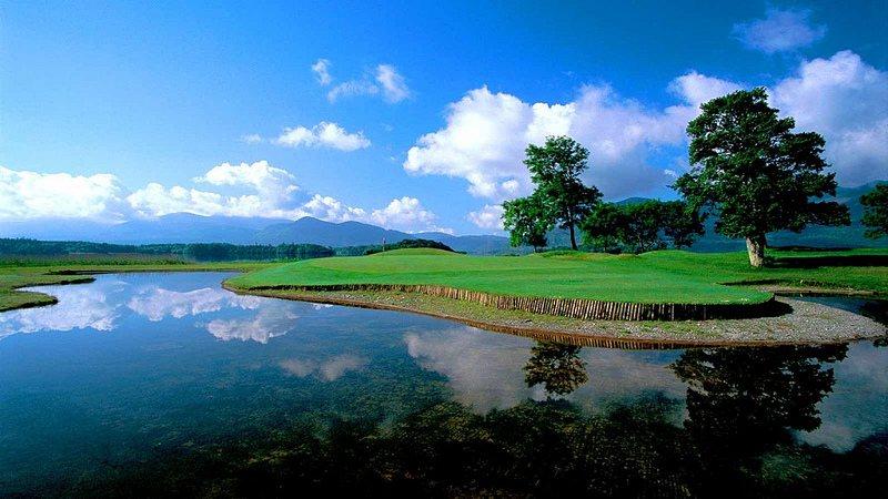 El golf en Irlanda combina turismo, deporte y paisajes únicos.