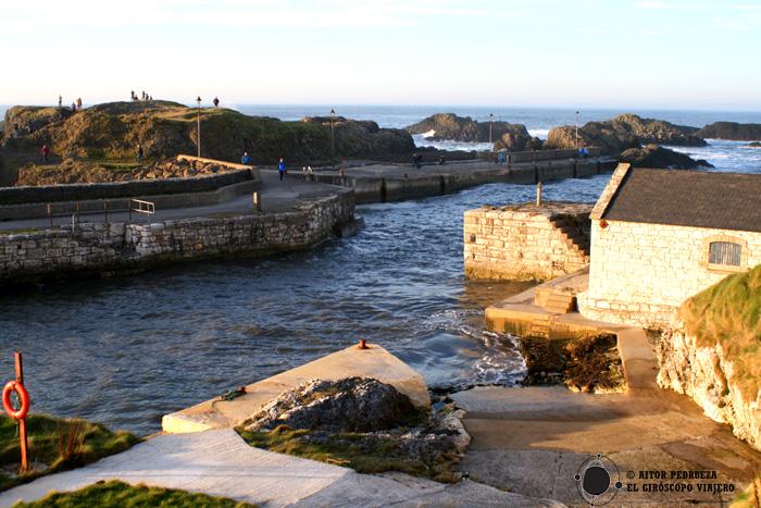 El puerto de Ballintoy, localización de la serie Juego de Tronos